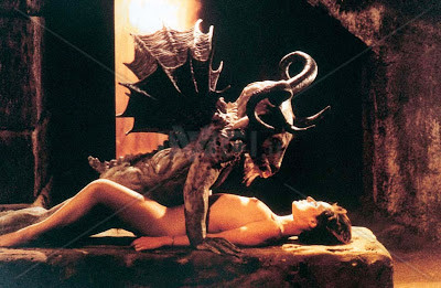 creature,horror,incubus,monster,movie,moviestill-b204a9878f96a2ef5e1a54bf31bcb537_h